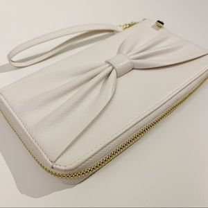 Handbags - White/Gold Wallet With Bow | Zipper Purse Strap
